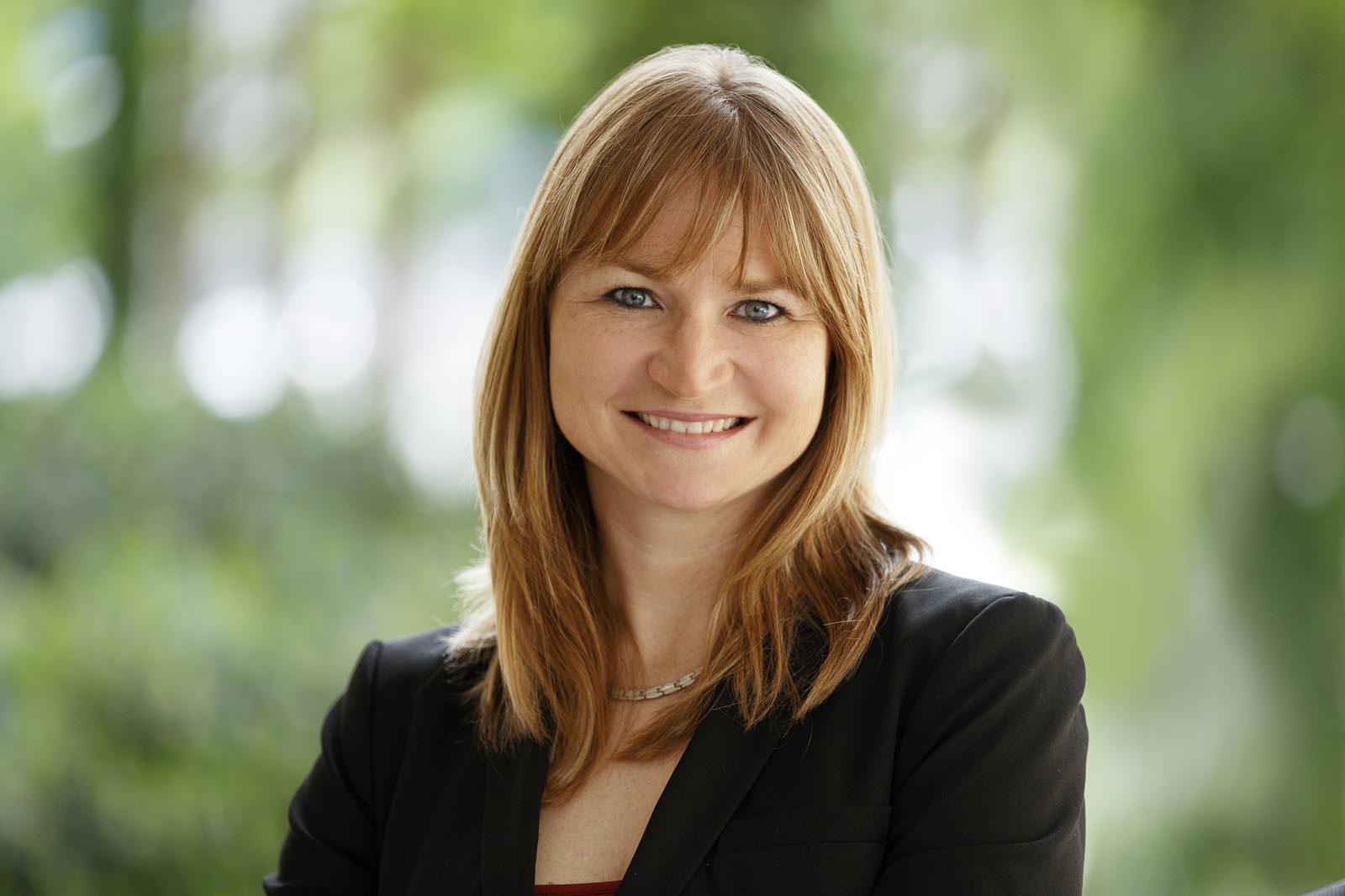 Dr. Stefanie Lang